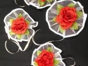 7,07 Червона квітка на білому фатіні, 4 шт за 40 грн
