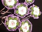 7,08 Біла квітка на фіолетовому фатіні, 4 шт за 40 грн