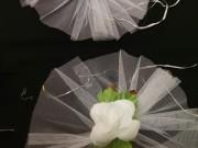 7,09 Великий білий фатін  та біла квітка, 4 шт за 60 грн