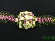 1,23 Білі троянди з фіолетовим+зелень, 250 грн
