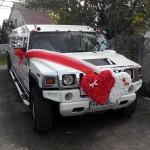 замовити лімузин з прикрасами червоно білі серця з квітів