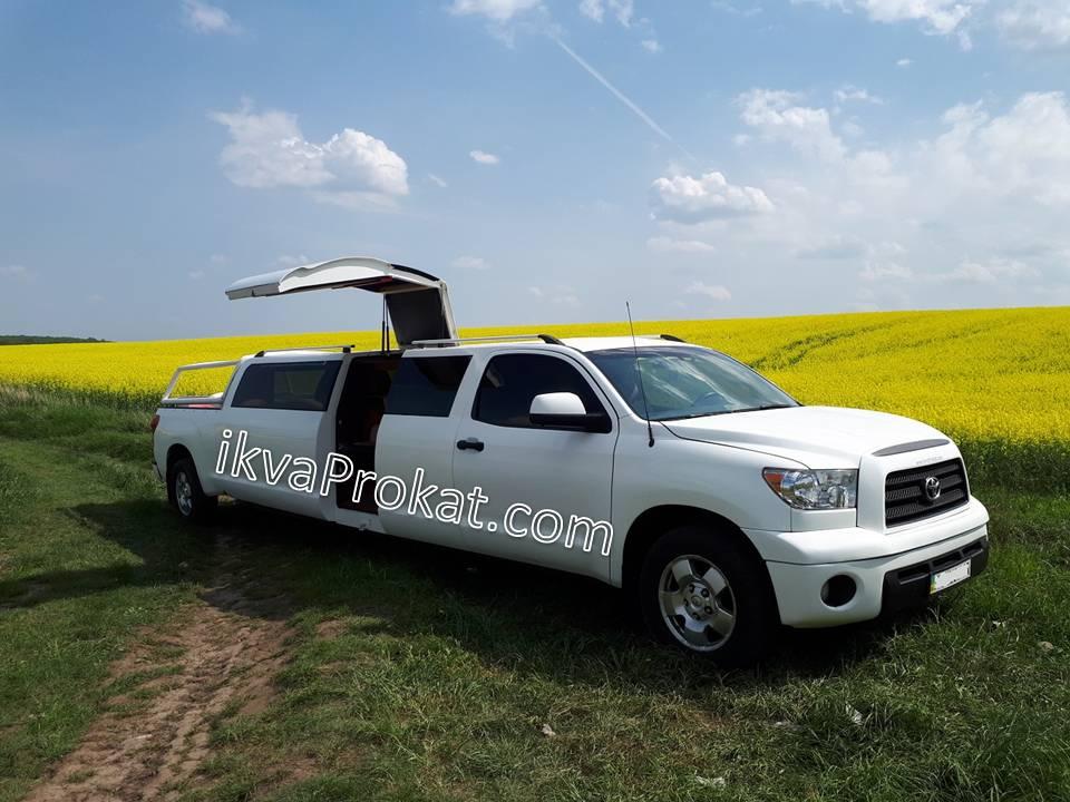4997bb8207c552 Лімузин Toyota Sequoia з літнім майданчиком » Заказать лимузин ...