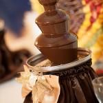 малий шоколадний фонтан франківськ, івано-франківськ винний фонтан, замовити фонтан на весілля із шоколаду, шоколадний фонтан ан весілля у