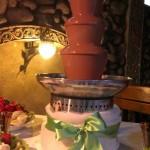 шоколадний фонтан для фруктів