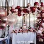 повітряні кульки на фотозону на весілля