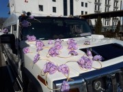 прикраси на авто з живих та штучних квітів